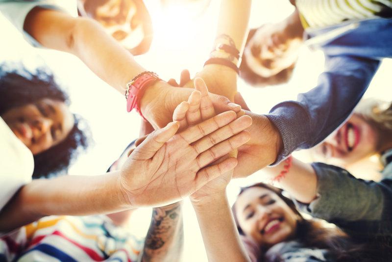 Verbindingsworkshop team activiteit familiedag vrijgezellenfeest